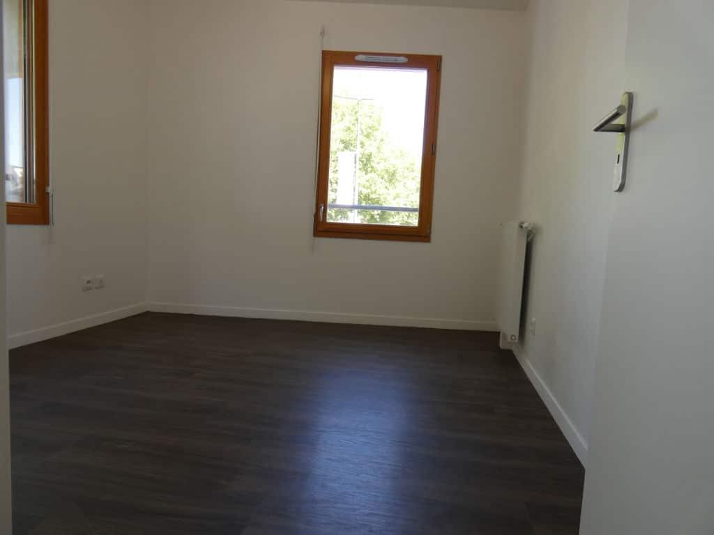 faire estimer appartement alfortville: 4 pièces 72 m², chambre à coucher avec 2 fenêtres
