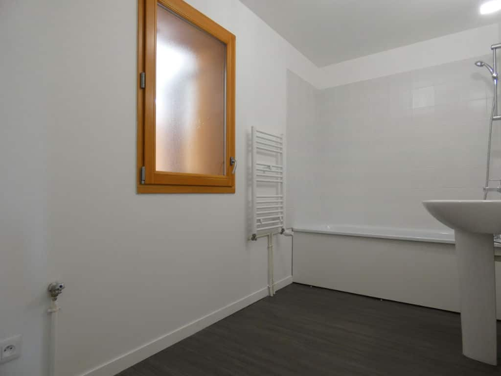 appartement a vendre alfortville: 4 pièces 72 m², salle de bain avec baignoire