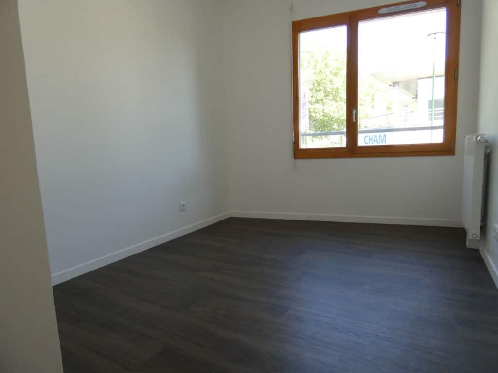 agence immobilière alfortville: 4 pièces 72 m², chambre à coucher avec parquet
