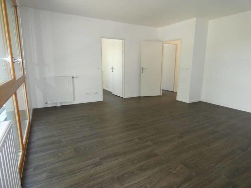immo alfortville: 4 pièces 72 m², pièce à vivre, séjour avec porte fenêtre contour bois