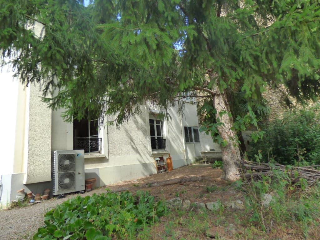 agence immo maisons-alfort: 7 pièces, avec dépendance, jardin de 571 m²