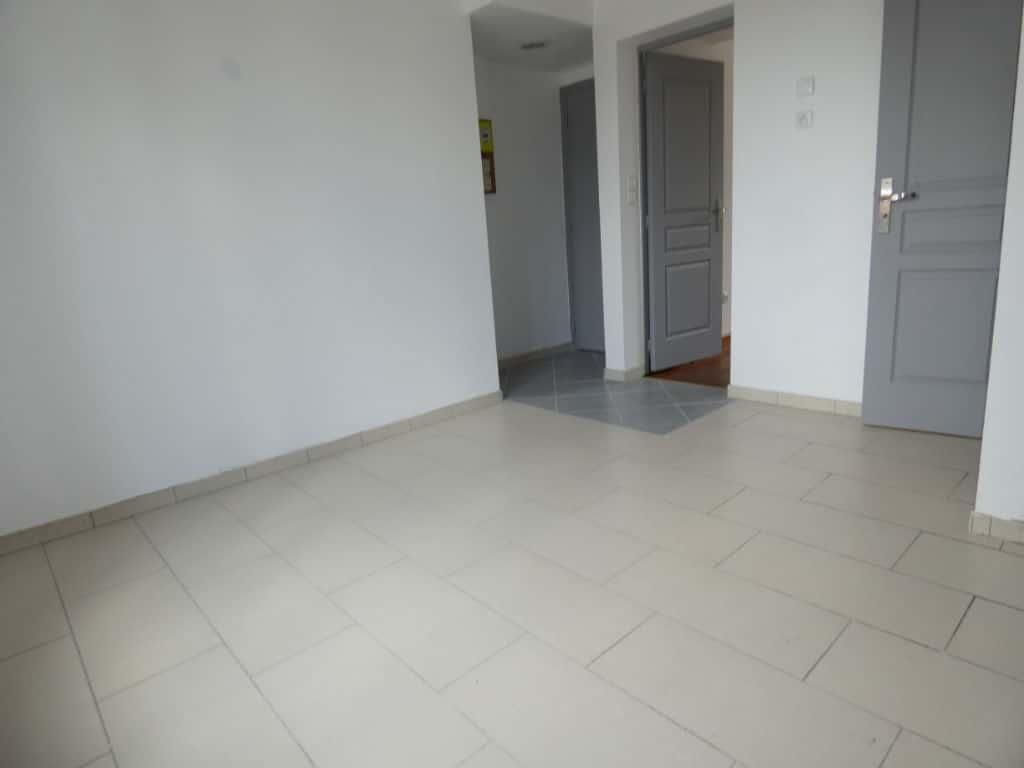 vente appartement 2 pieces alfortville: 2 pièces 25 m², grande pièce à vivre