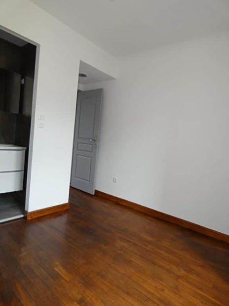 agence immo alfortville: 2 pièces 25 m², chambre à coucher avec salle d'eau