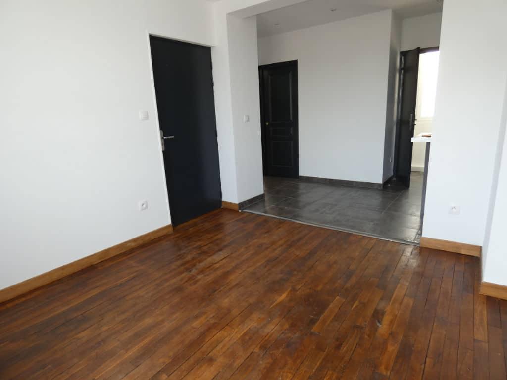 achat appartement alfortville: 2 pièces 33 m², pièces traversantes refaites à neuf