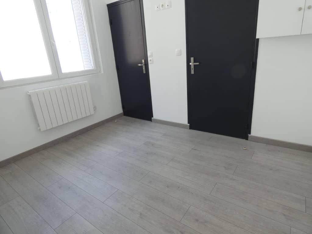 faire estimer appartement alfortville: 2 pièces 33 m², chambre avec salle d'eau attenante