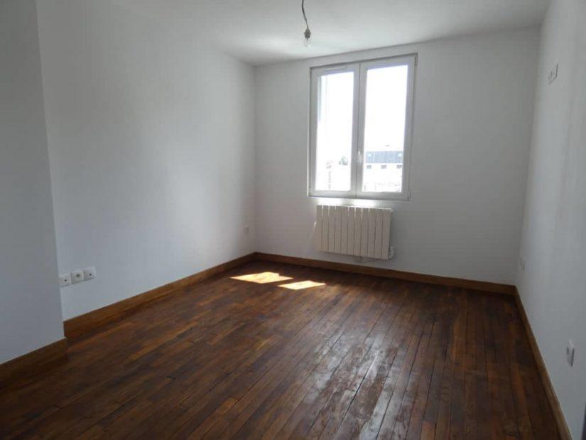 alfortville immobilier: 2 pièces 33 m², pièce à vivre lumineuse avec fenêtres pvc double vitrage