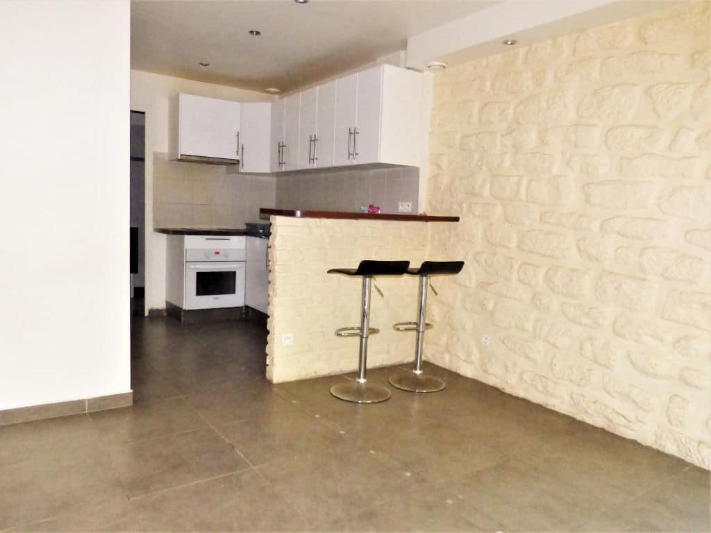 appartement à vendre maisons-alfort: 2 pièces 30 m², cuisine semi-ouverte sur la pièce à vivre