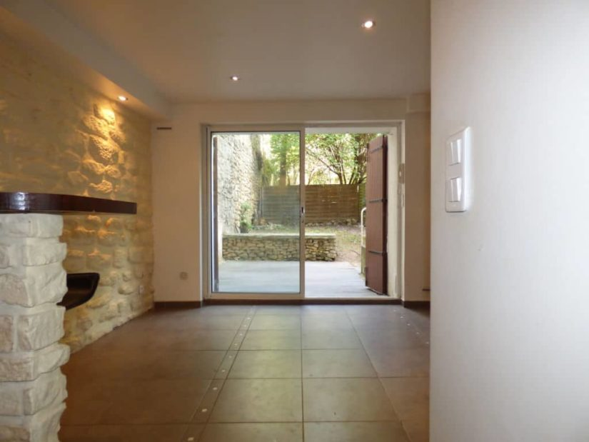 estimer appartement maisons-alfort: 2 pièces 30 m², rez-de-jardin de 40 m²  accès salon / séjour