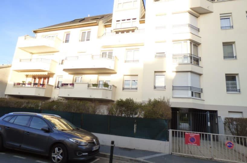estimation appartement alfortville: duplex 3 pièces 55 m² surface sol avec terrasse et box, dernier étage sur cour, centre ville