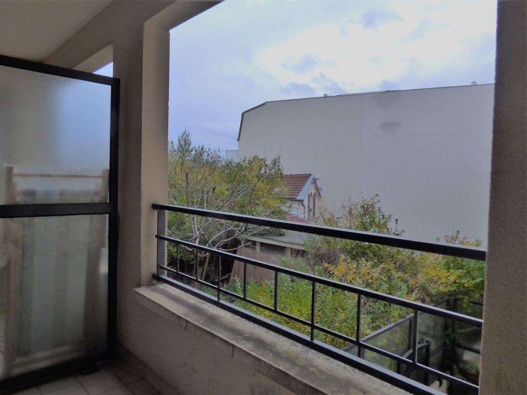 studio à vendre à maisons-alfort: 27 m², grand balcon donnant sur jardin au calme