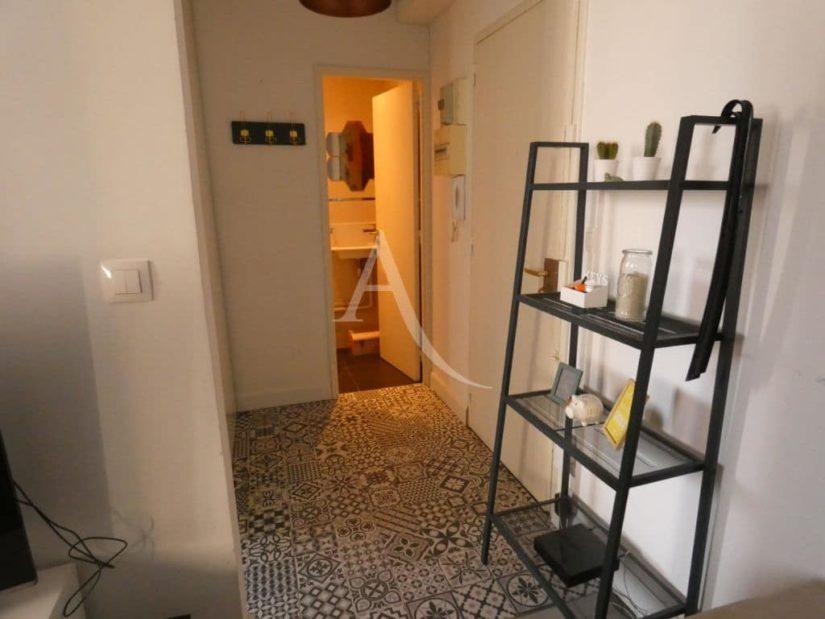estimer appartement alfortville: 2 pièces 47 m², salle de bains avec baignoire