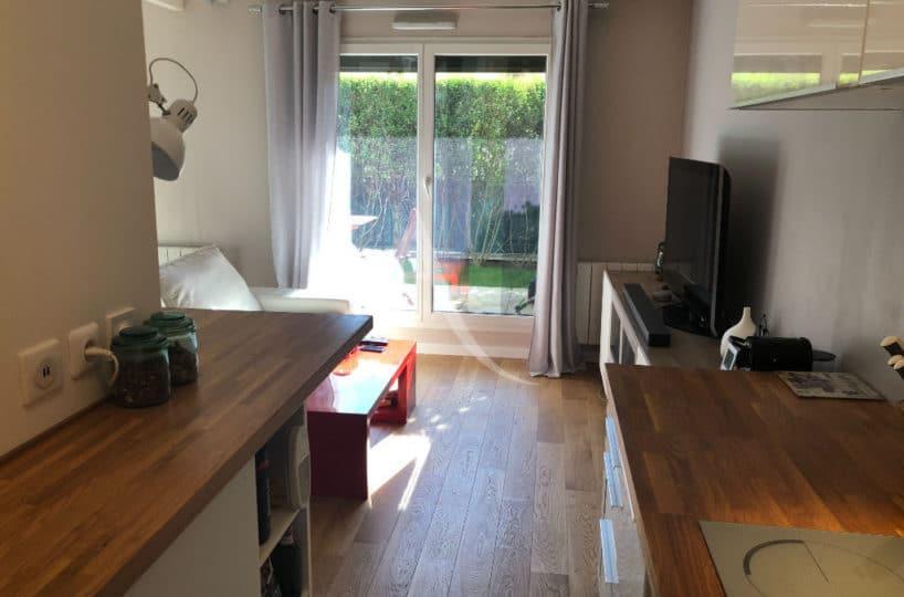 appartement a vendre alfortville: 2 pièces 32 m², cuisine aménagée et ouverte sur salon