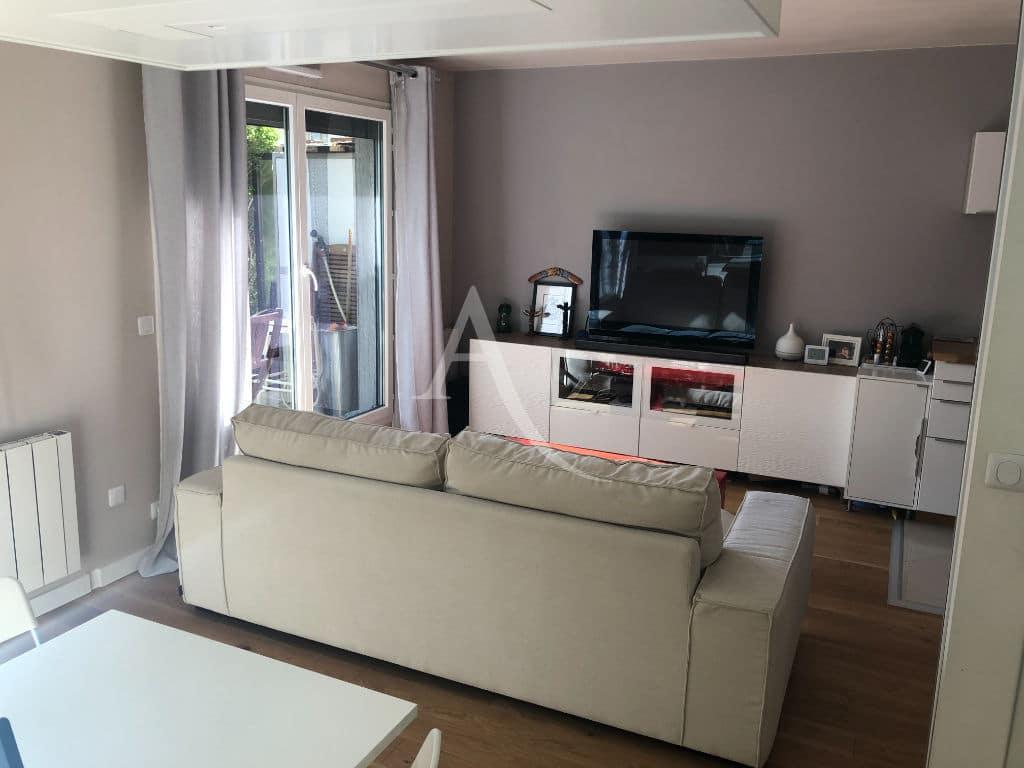 vente appartement 2 pieces alfortville: 2 pièces 32 m², beau séjour lumineux avec terrasse