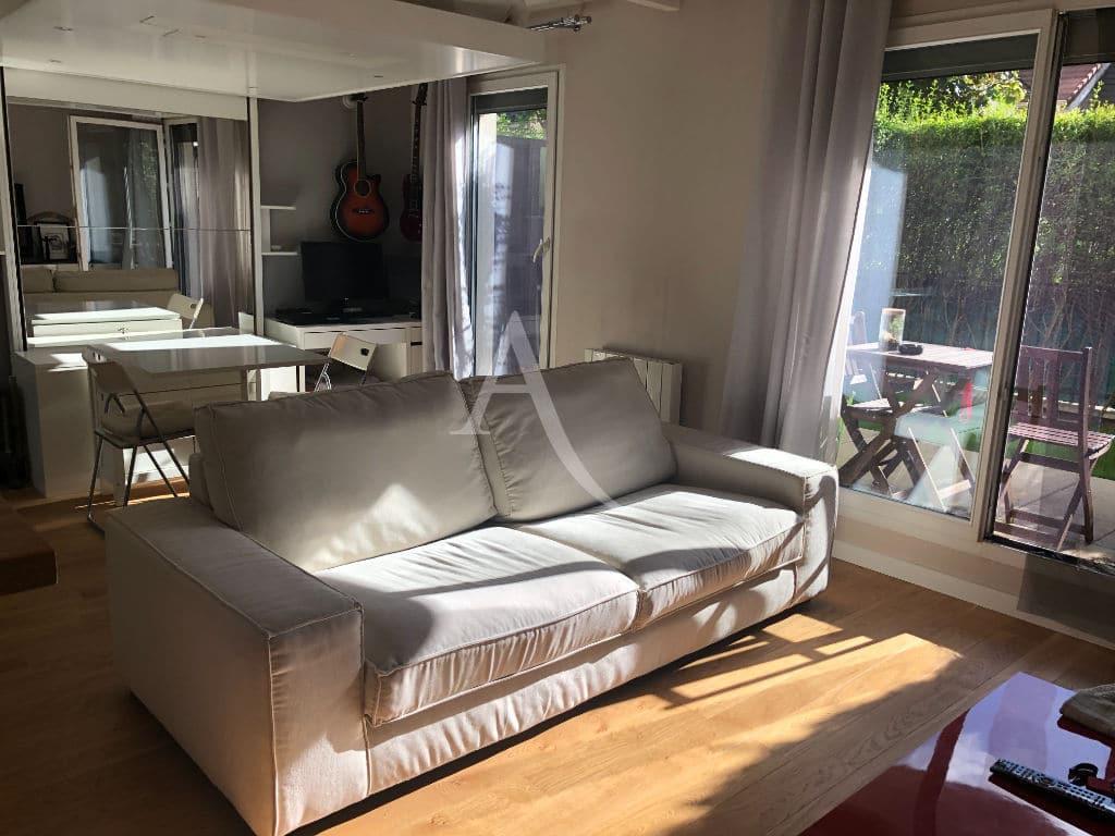 estimation prix appartement alfortville: 2 pièces 32 m², séjour donnant sur la terrasse