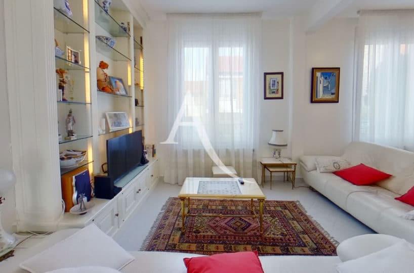 agence immo maisons alfort: maison 7 pièces, vaste séjour de 38.40 m², bibliothèques faites sur mesure