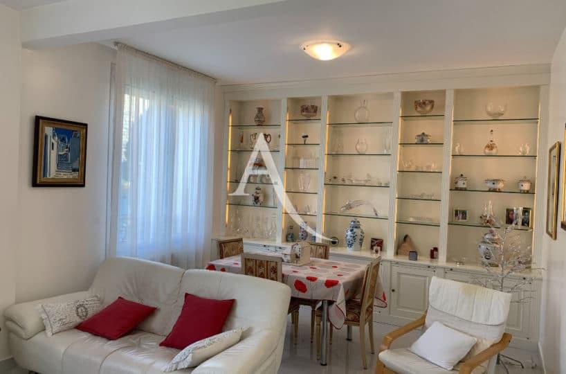 agences immobilières maisons alfort: maison 7 pièces , salle à manger, superbe vitrine faite sur mesure