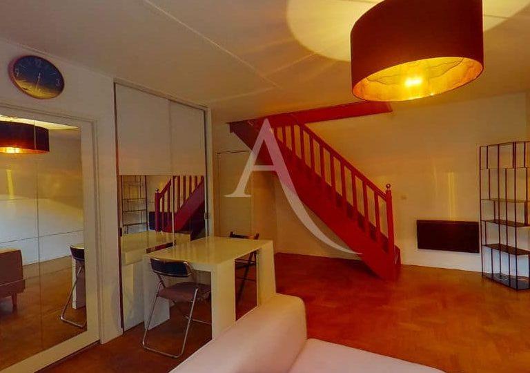 louer appartement alfortville: duplex 2 pièces meublées 50 m², salon, cuisine équipée