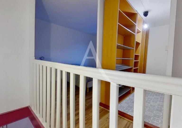immobilier alfortville: duplex 2 pièces meublées 50 m², grand dressing à l'étage indépendant de la chambre