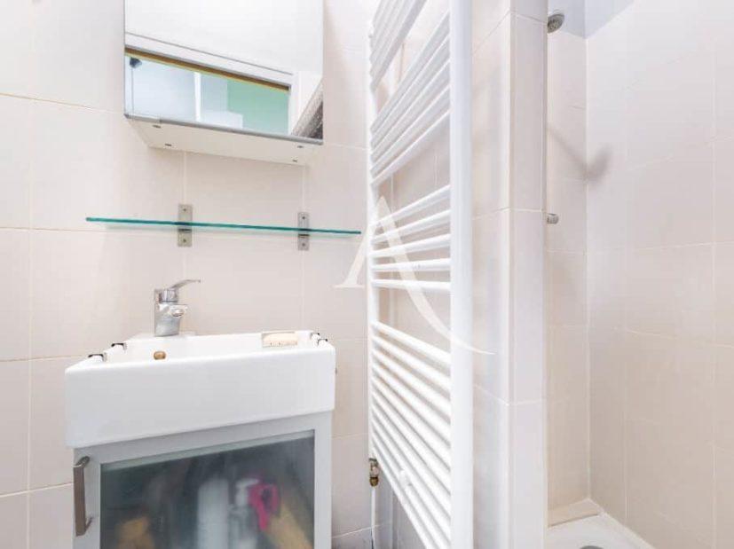 agence immobilière ouverte le samedi: 4 pièces 69 m², salle d'eau, double italienne, radiateur sèche serviette