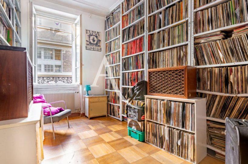 l'adresse valerie immobilier: appartement 4 pièces 69 m², 3° chambre/bureau, fenêtre avec volet