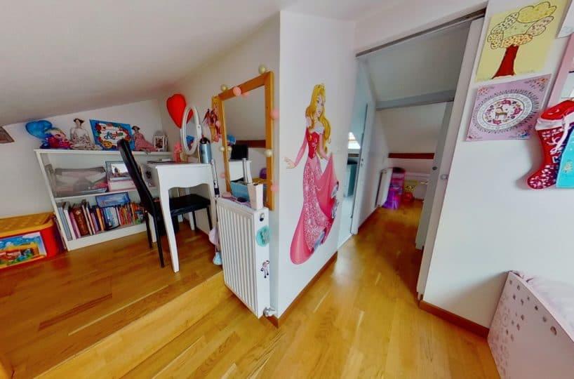 agence immobilière 94: duplex 4 pièces 46 m², chambre mansardée, parquet au sol