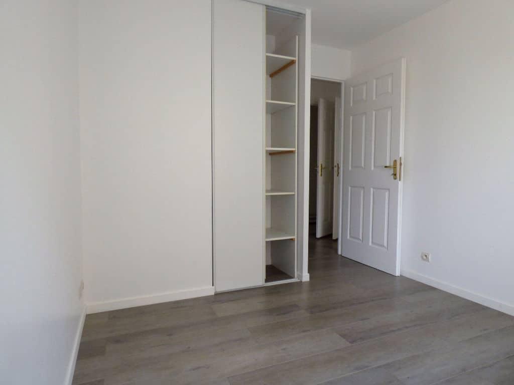 agence immobilière alfortville: 3 pièces 67 m², chambre à coucher avec armoire / penderie