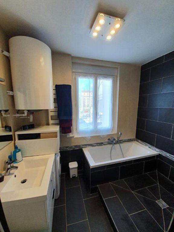 agence immo 94: appartement 2 pièces 44 m², salle de bain, baignoire et douche italienne