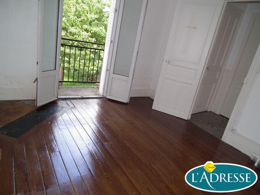 achat maison alfortville: 5 pièces 118 m², pièce à vivre avec le charme de l'ancien