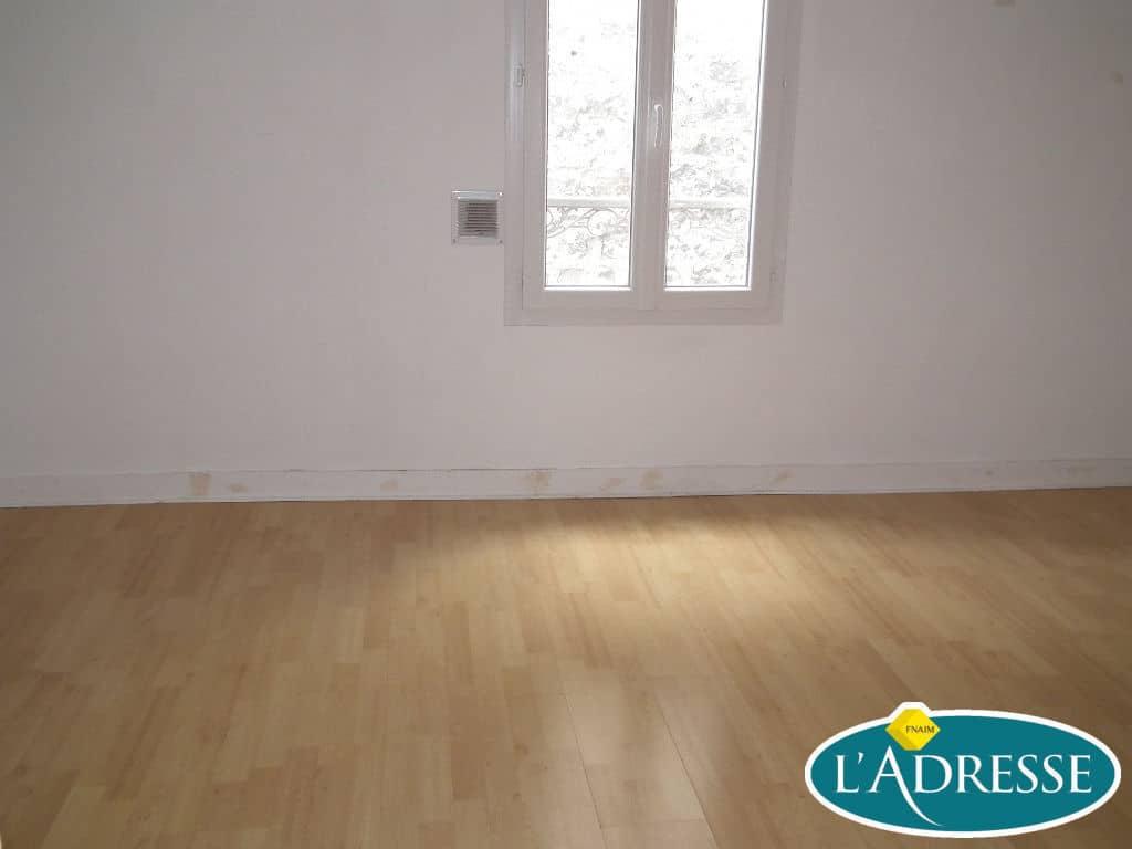 pavillon a vendre alfortville: 5 pièces 118 m², première chambre avec belle luminosité