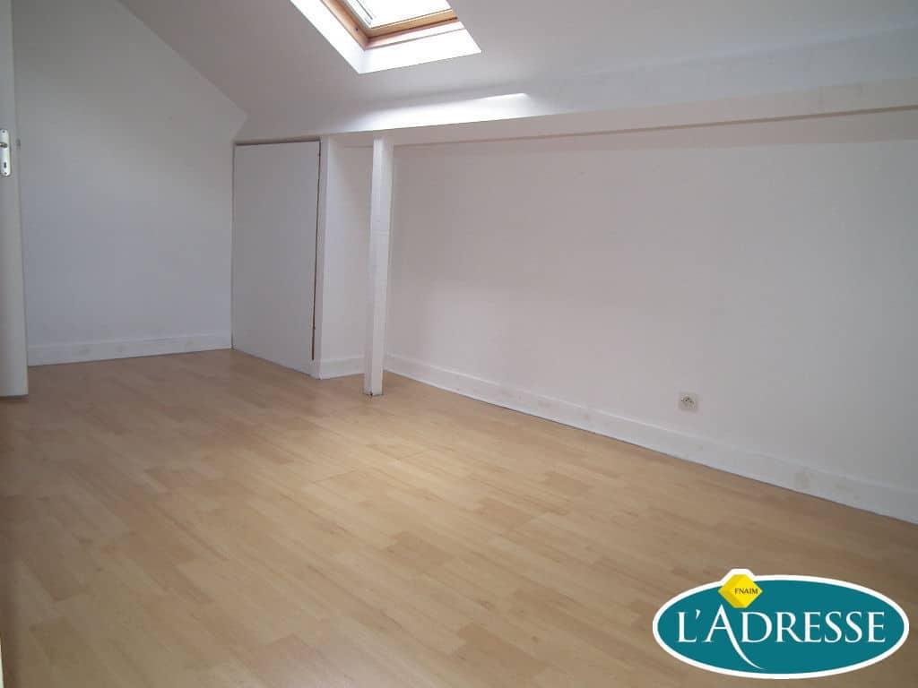vente maison à alfortville: 5 pièces 118 m², deuxième chambre lumineuse
