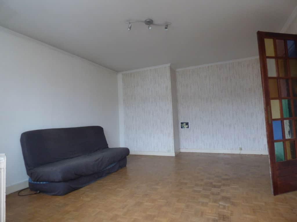 immo 94: appartement 4 pièces 75 m², séjour avec balcon et porte vitrée