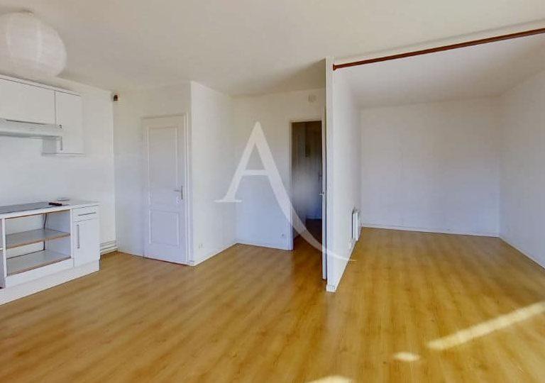 l adresse alfortville: studio 36 m², séjour, espace chambre à coucher