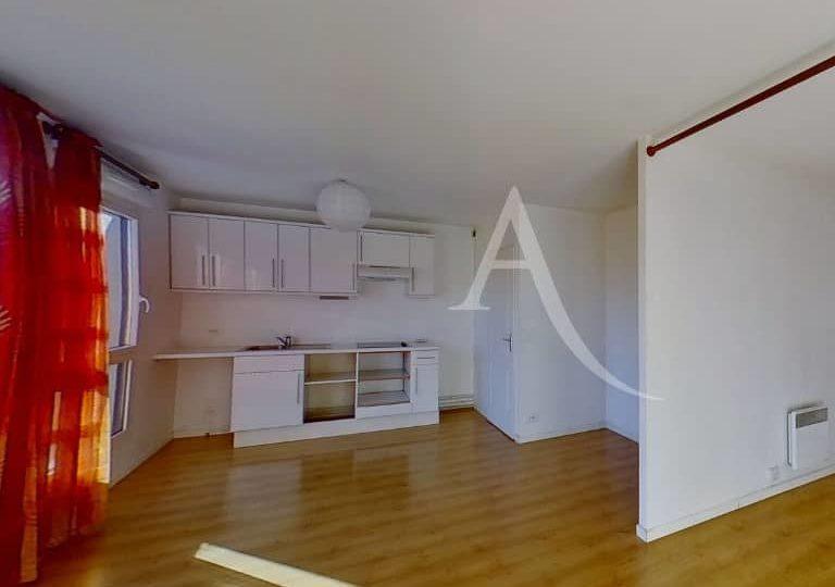 louer appartement alfortville: studio 36 m², cuisine américaine amménagée et équipée