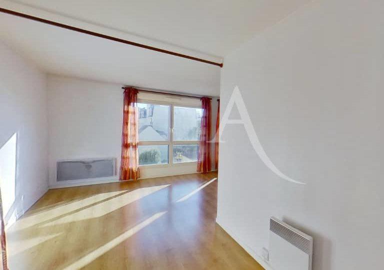 agence immobilière 94: très grand studio, séjour lumineux de 24 m², alfortville
