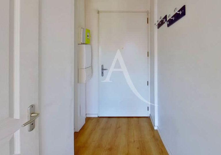 agence immo 94: très grand studio 36 m², entrée, parquet au sol, alfortville
