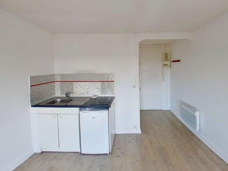 location appartement alfortville: studio 17 m², séjour avec kkitchinette, proche rer d et commerces