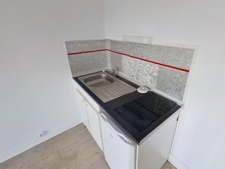 appartement alfortville location: à louer studio, kitchinette équipée: plaque de cuisson, réfrigérateur