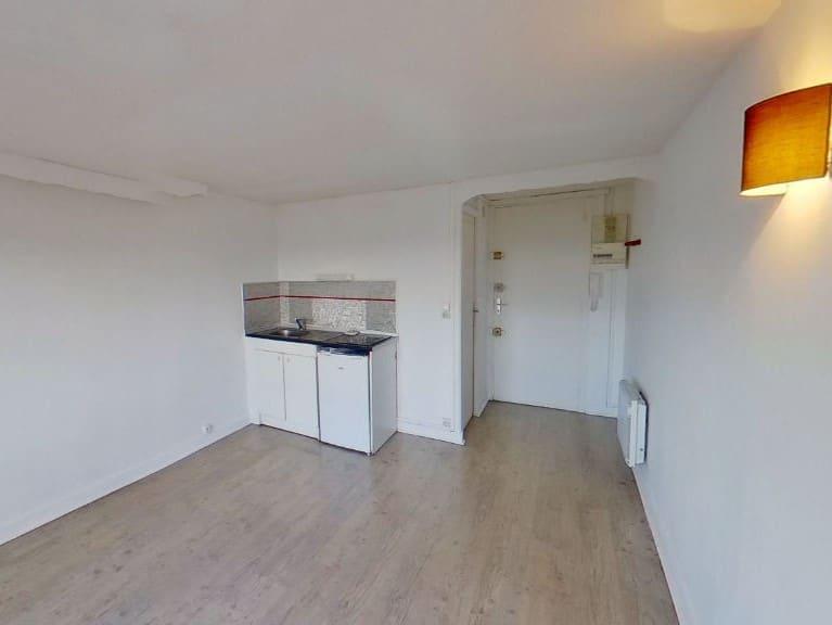 location appartement creteil: studio 17 m², entrée, séjour avec kitchinette