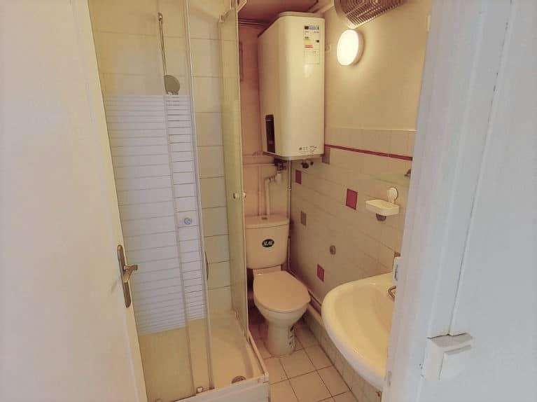 agence immobilière val de marne: studio 17 m², salle d'eau avec wc