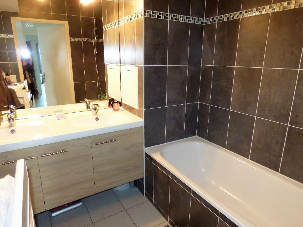 vente appartement maisons-alfort: 3 pièces 68 m², salle de bain abec baignoire