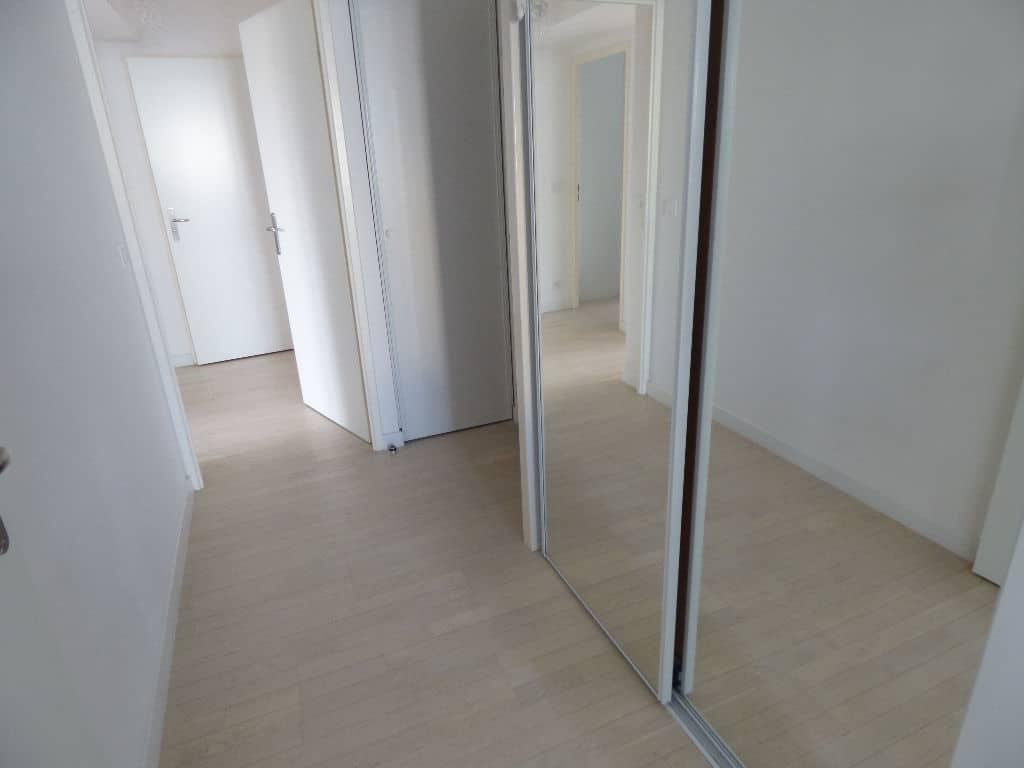 vendre appartement maisons-alfort: 3 pièces 68 m², entrée avec armoire / penderie vitrée