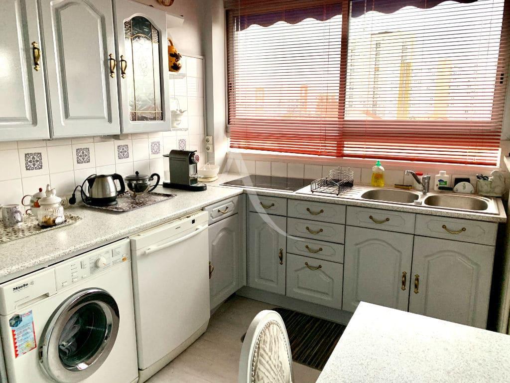 agence immobilière maison alfort: 3 pièces 59 m², cuisine aménagée de nombreux placards