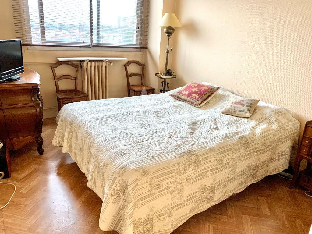 agence immo maisons alfort: appartement 3 pièces 59 m², 1° chambre à coucher exposée est