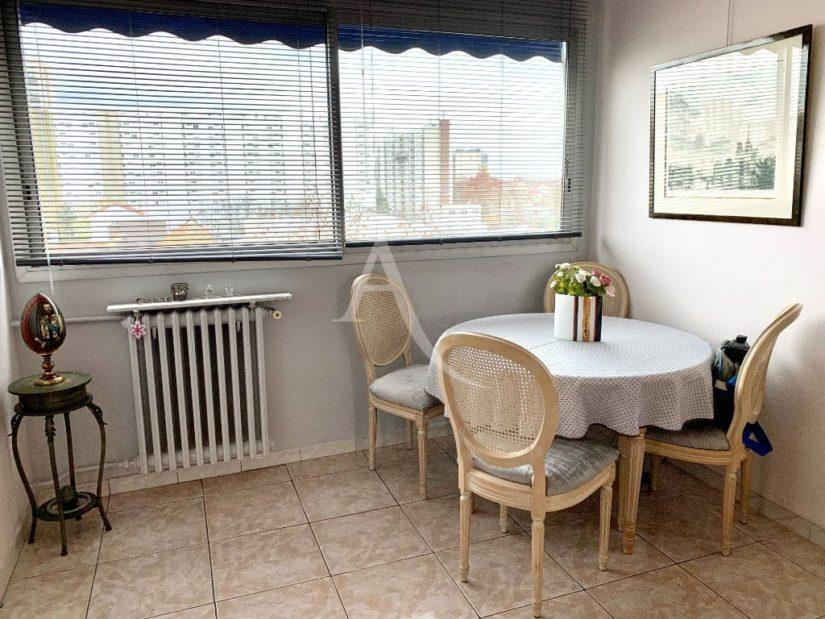 agence immobiliere maisons alfort: 3 pièces 59 m², séjour lumineux exposé ouest