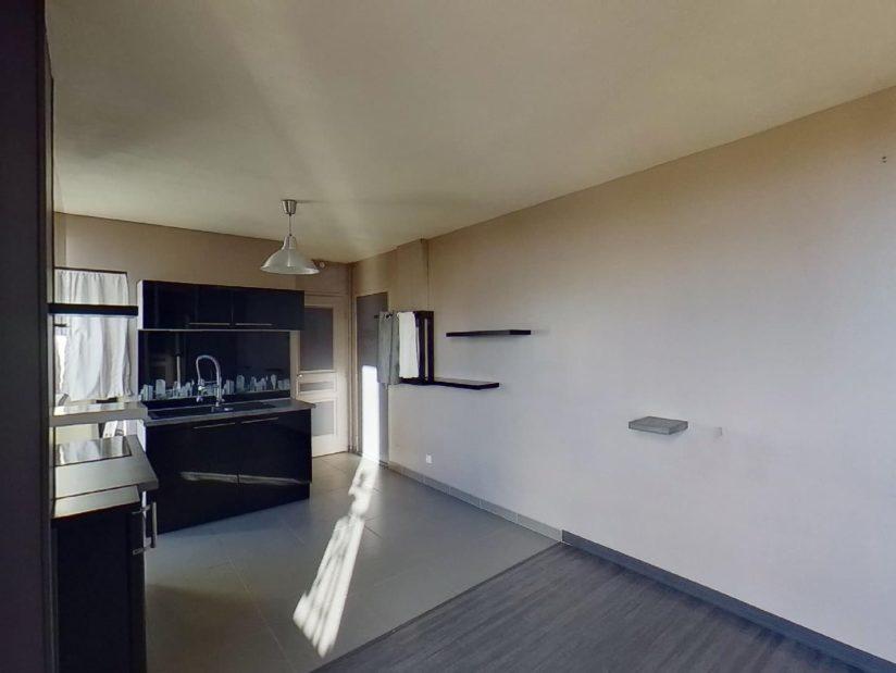 immo 94: studio, pièce à vivre avec coin cuisine aménagé et équipé, villeneuve st georges