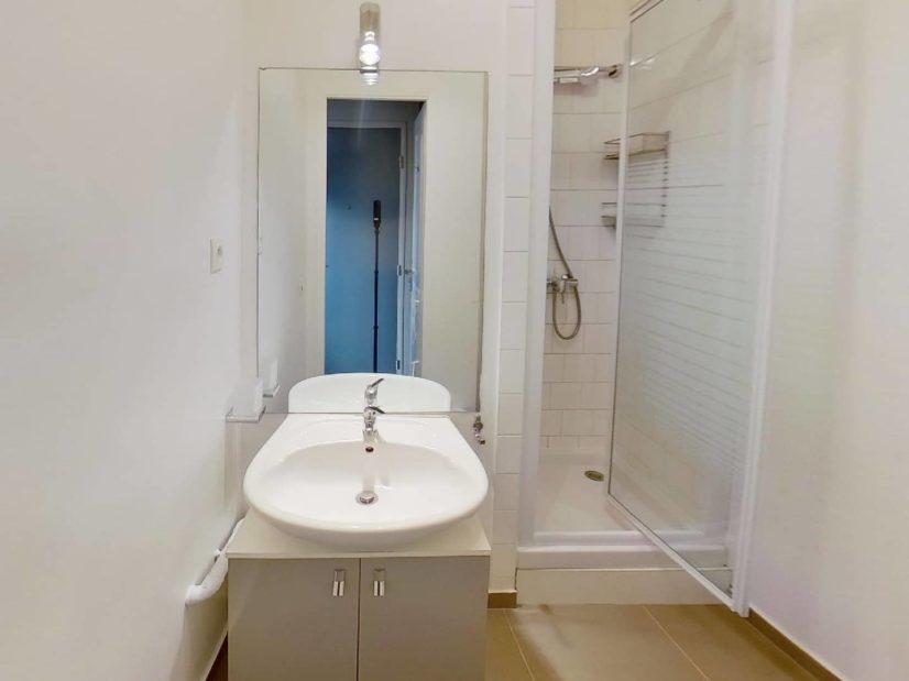 agence immobilière val de marne: studio 23 m², salle d'eau avec wc, villeneuve st georges