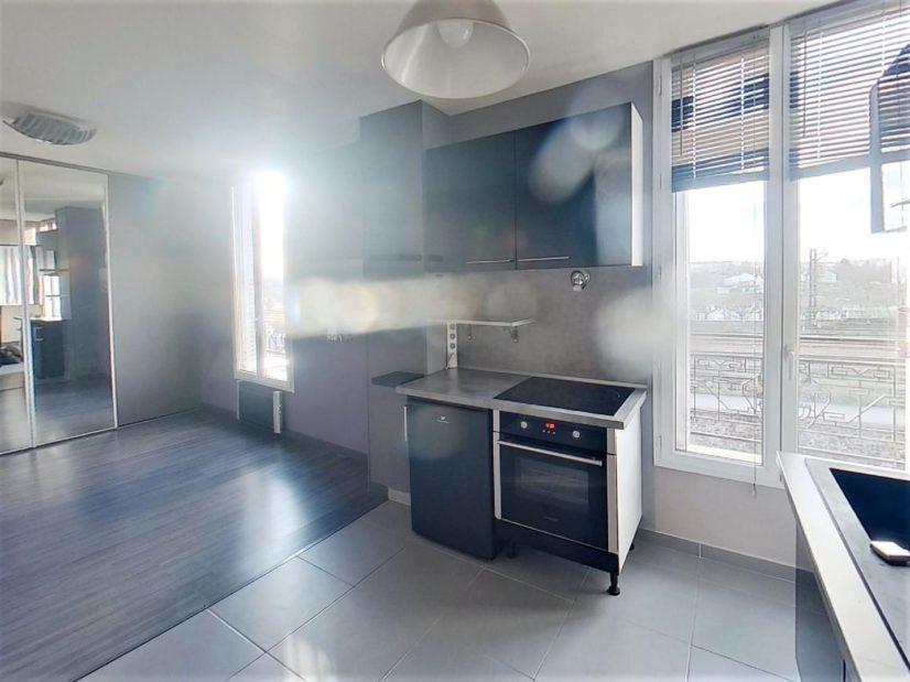 location appartement 94: studio, coin cuisine aménagé et équipé, villeneuve st georges
