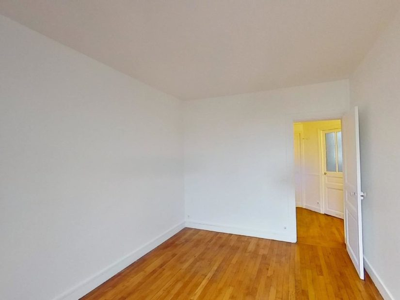 appartement a louer a maisons alfort: 3 pièces, chambre à coucher parquetée refaite à neuf