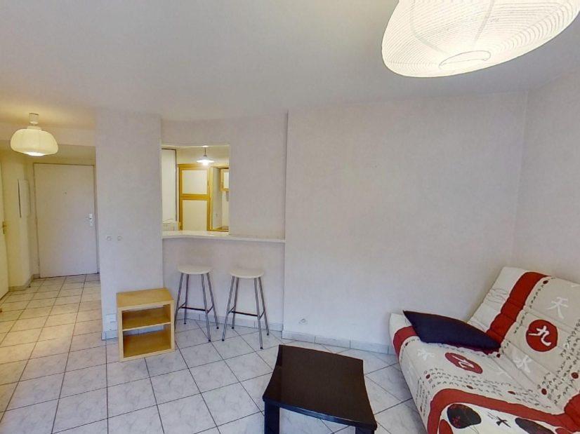 appartement alfortville location: 2 pièces 39 m², séjour avec cuisine semi ouverte