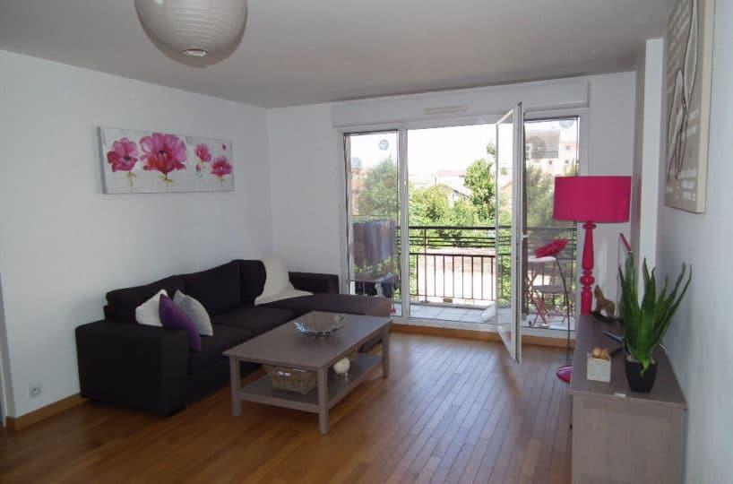 location appartement alfortville: à louer 3 pièces en duplex 62 m², séjour avec balcon